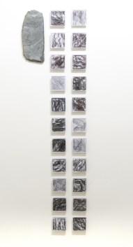 Zen Zero, Giù, 2018, ardesia grezza con vetro sintetico e grafite su carta, dimensioni totali 155x44 cm