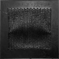Matteo Gironi, Senza Titolo, 2014, feltro, cera, pigmento, 80x80x6 cm Courtesy l'artista e E3 Arte Contemporanea, Brescia