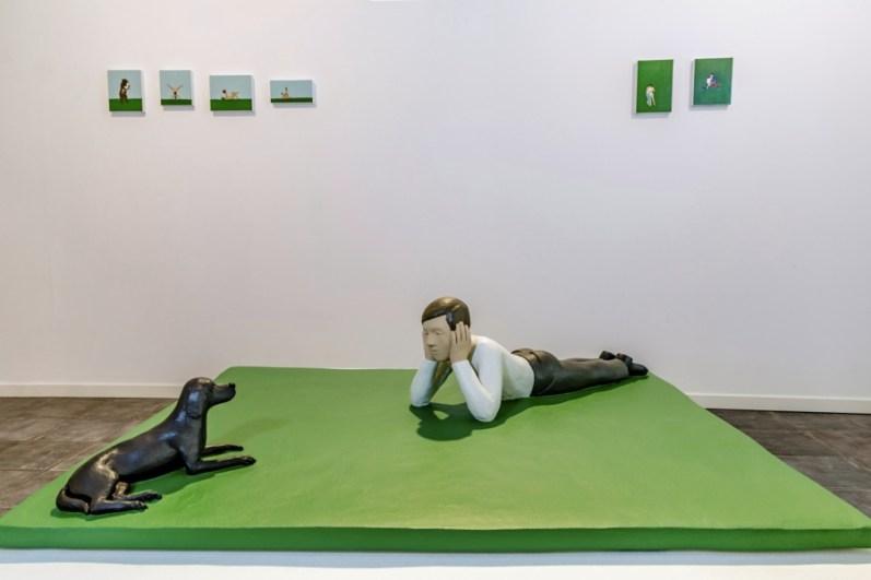 Nando Crippa, Ragazzo con cane, 2019, terracotta dipinta, cm 11.5x47x37.5 Courtesy Galleria Melesi, Lecco Foto Stefano Pensotti