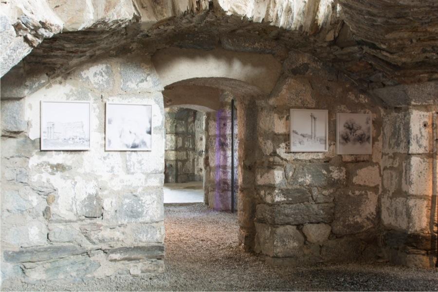 Sottopelle. Storie di memorie e persistenze. Atto III – Massimiliano Gatti, veduta della mostra, Forte Strino, Vermiglio (TN) Foto Massimiliano Gatti