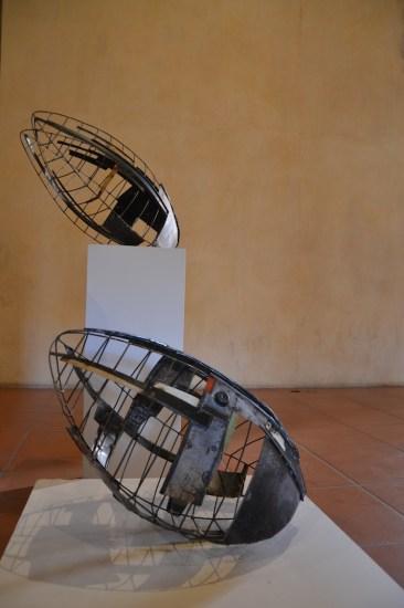 Andrea Cereda, Chrysalis - Tempio del cambiamento, 2016, lamiera e filo di ferro, 60x42x34 cm Courtesy Castel Negrino Arte, Aicurzio (MB)