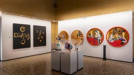 Nespolo. Fuori dal coro, veduta della mostra, Palazzo Reale, Milano