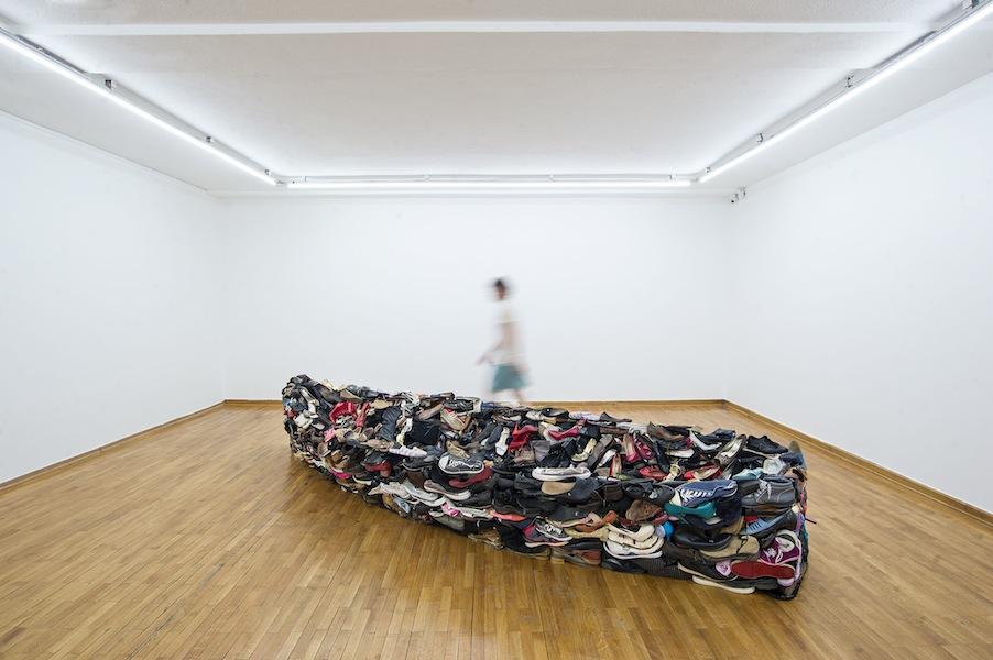 Sislej Xhafa, Barka, 2011, scarpe, Collezione Nomas Foundation, Roma