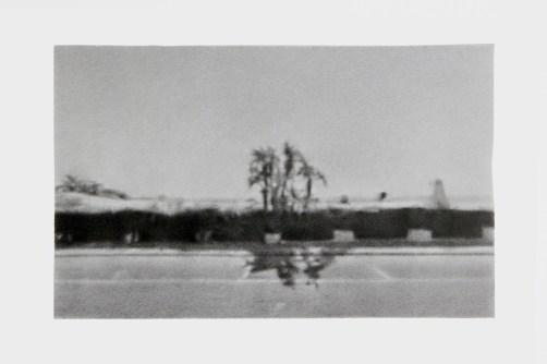 Andrea Mangione, Lungomare - piano sequenza 5, 2020, grafite su carta, 11.2x18 cm