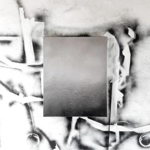 Renato Calaj, h ombre 19_2s, 2019-20, resina, acrilico, pittura spray su tela e intervento murale, 50x40 cm