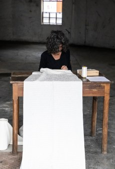 Ilaria Margutti, HÖ 'L FÌL DÈ UH (Sul filo di voce), Falía Artists In Residence 2020. Foto di Lidia Bianchi