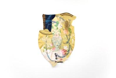 Michela Martello, Lion's Gate, 2020, acrilico e ricamo su tessuto di seta vintage e seta giapponese, cm 174x124 Courtesy Galleria Giovanni Bonelli