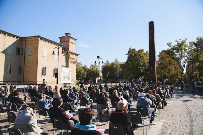 Arnaldo Pomodoro. {sur}face, inaugurazione pubblica della mostra, Piazza Lusvardi, Soliera (MO) Foto Matteo Luppi