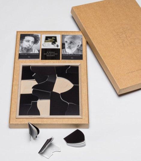 Enzo Mari, Progetto 1810, il puzzle istruzioni per l'uso, 2009 Foto Gianluca Di Ioia Courtesy Triennale, Milano