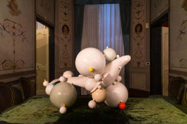 Andrea Salvatori, Balena, 2019, ceramica, cm 65x90x60. Installation view (Appartamenti di Pio VII, Savona), ph. Omar Tonella
