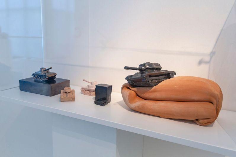Alfonso Leoni (1941-1980). Genio Ribelle, veduta della mostra, courtesy MIC Faenza