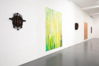 Massimo Kaufmann | Gonçalo Mabunda, veduta della mostra, Galleria Giovanni Bonelli, Milano Foto credits: Nicola Gnesi Studio