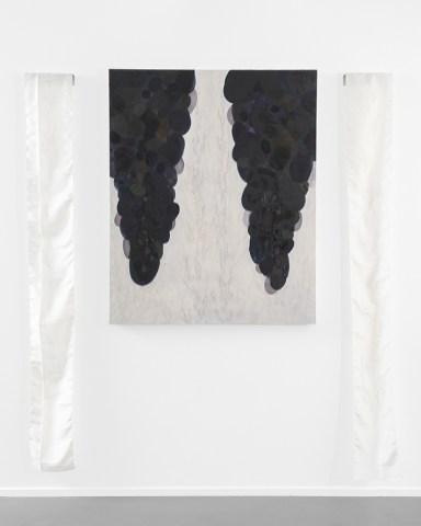 Elisa Bertaglia, Hic sunt Dracones, 2020, olio, carboncino e grafite su tela e seta, 215x180 cm. Courtesy SARAHCROWN, New York. Photo credits Cosimo Filippini
