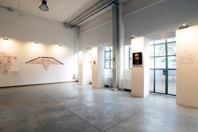 Donatella Izzo. The Dreamers. Sognatori nel tempo dell'abbandono, veduta della mostra, Studio Vento e Associati Fabbrica del Vapore, Milano