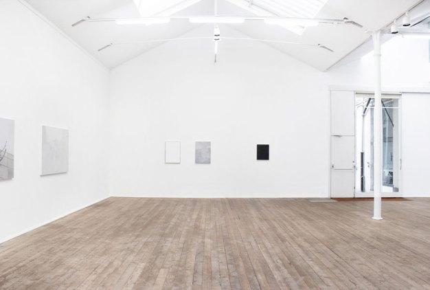 Francesco De Prezzo, Al limite del visibile, veduta della mostra, LOOM Gallery Milano - Courtesy l'artista e la galleria
