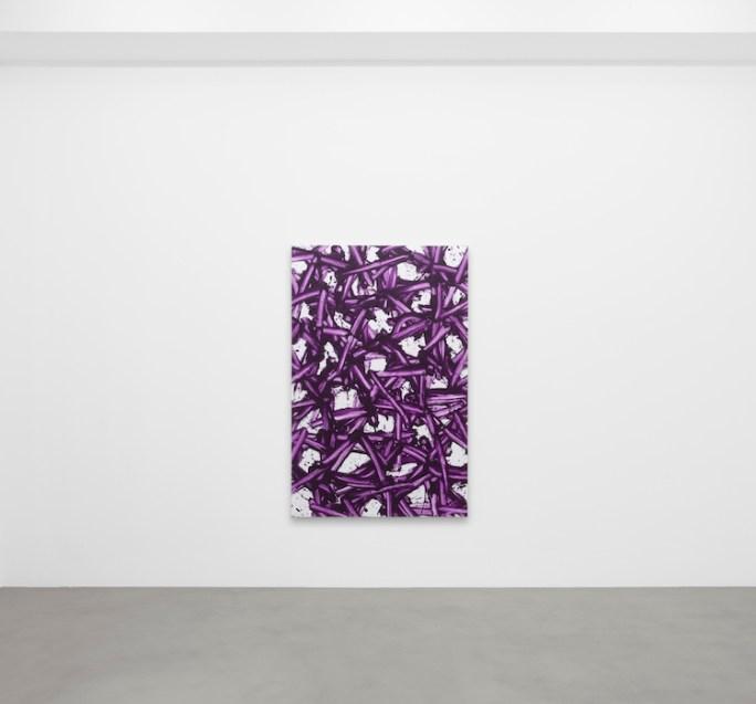 Gianni Asdrubali, Zakeusse, 2021, pittura industriale su tela, 183x119 cm Courtesy A arte Invernizzi, Milano Foto Bruno Bani, Milano