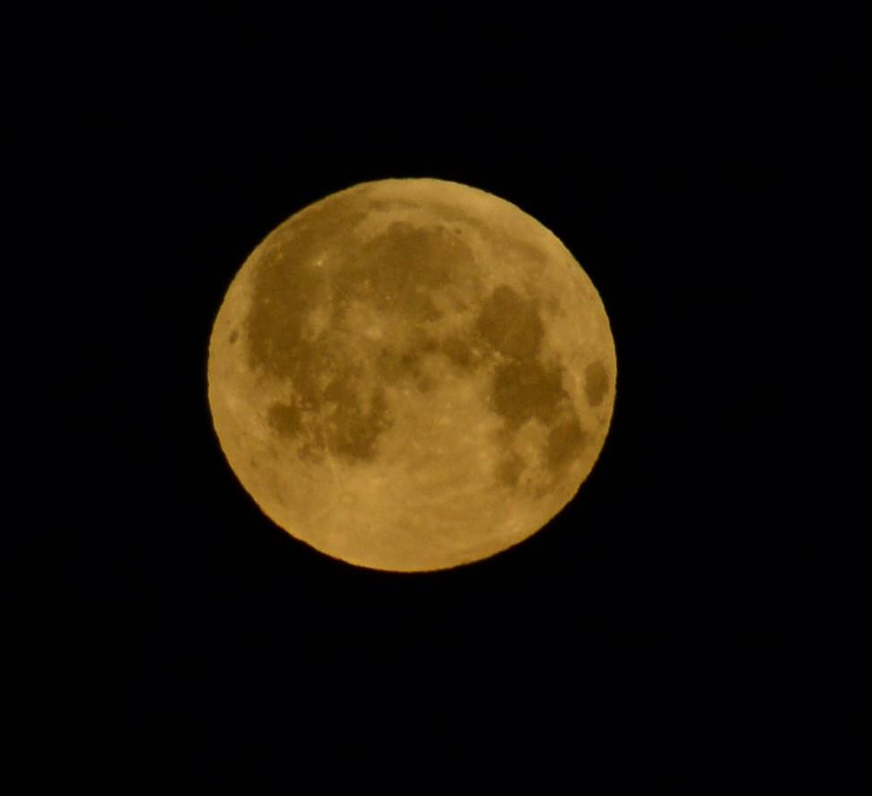 lune du 15 avril 2014 à 6 h 45