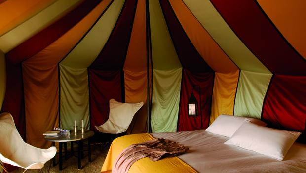 Bivouaquer dans le d sert marocain avec les camps nomades for Tente deux chambres