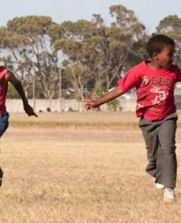 2 enfants du Township de Gugulethu au Cap