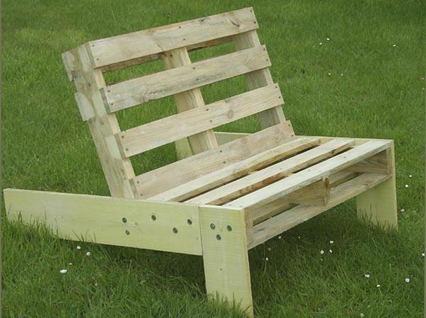 fauteuil de jardin en palette esprit