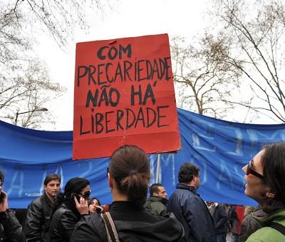 Apenas 34 por cento dos jovens desempregados recebia qualquer subsídio no final de 2010. Foto de Paulete Matos.
