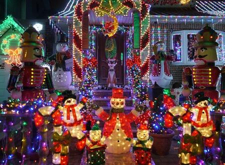 4 Best Christmas Lights Neighborhoods In Los Angeles