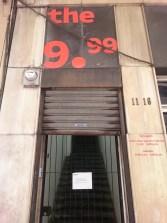 Fachada de The 9.99 Gallery en Guatemala