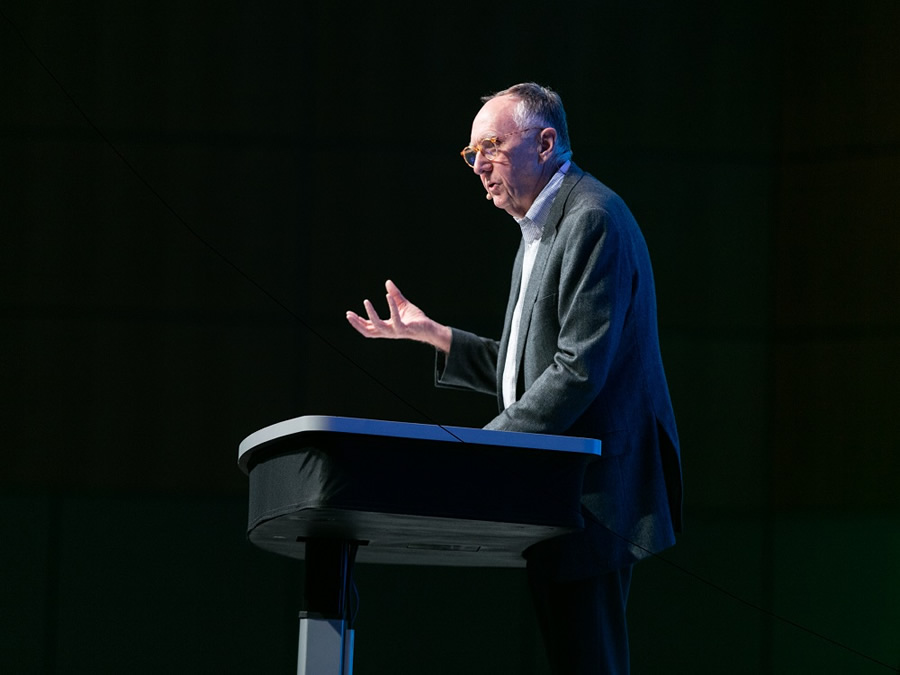 sofa ersi grinno riviera arcwatch top 25 things to experience when you visit the esri user president jack dangermond will summarize his uc message during closing session
