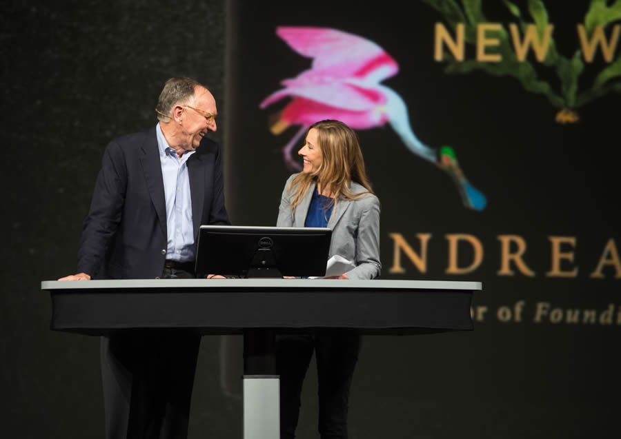 sofa ersi grinno rv sofas clearance arcwatch witness to the web of life esri president jack dangermond chats with author and historian andrea wulf about humboldt during user conference in san diego california june