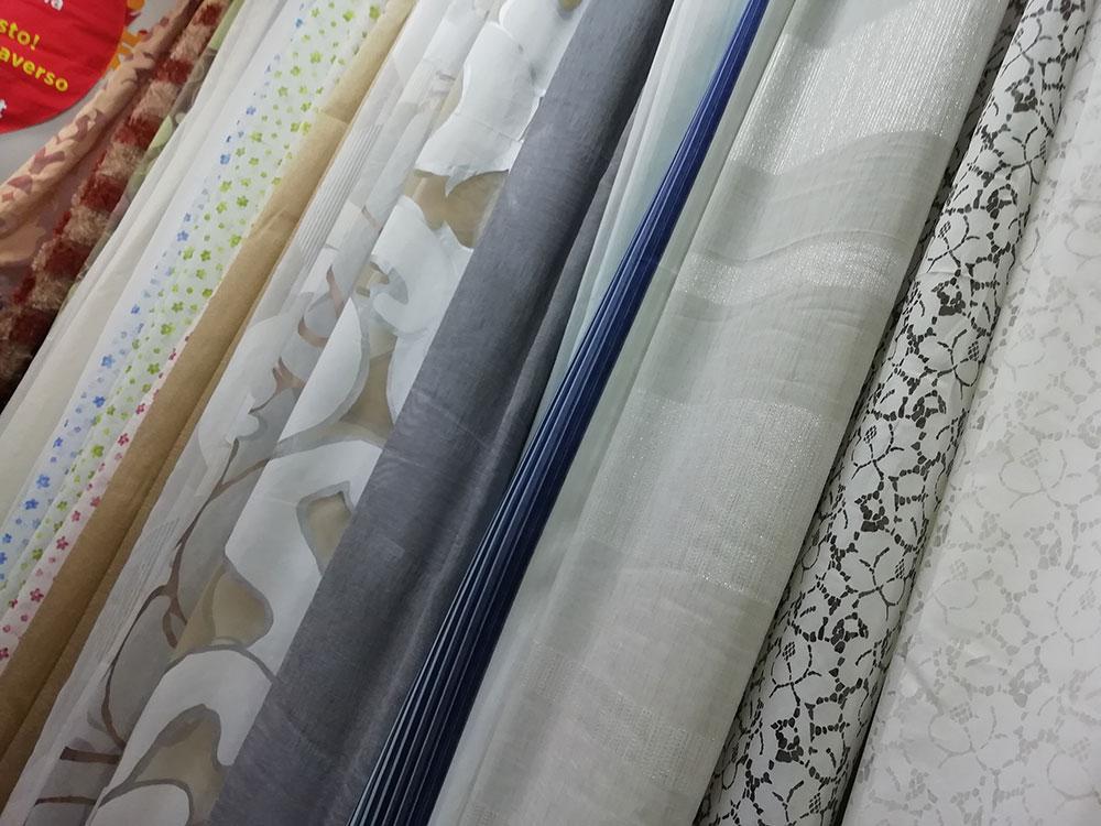 Anche la scelta del colore delle tende classiche ha la sua importanza. Tende E Tessuti Al Metro In Vendita Online Offertissime
