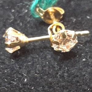 orecchini in oro e zirconi