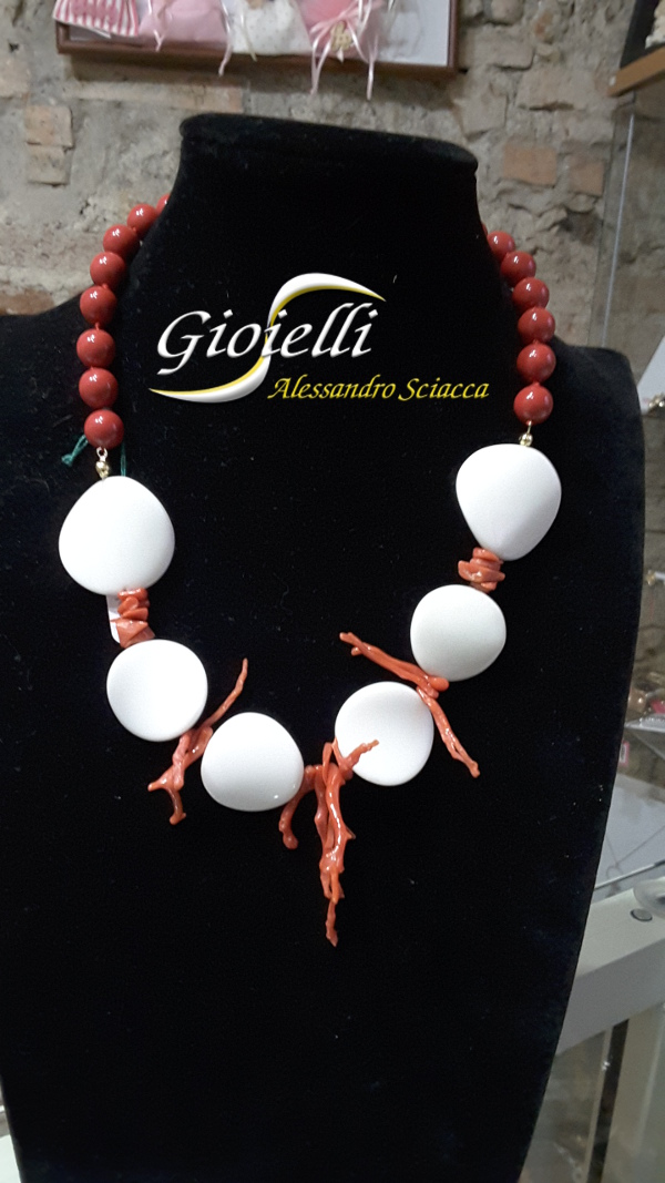 collana agata bianca e corallo