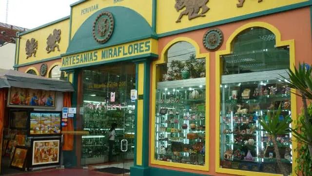 Loja de artesanato na Avenida Le Petit Thouars - Lima