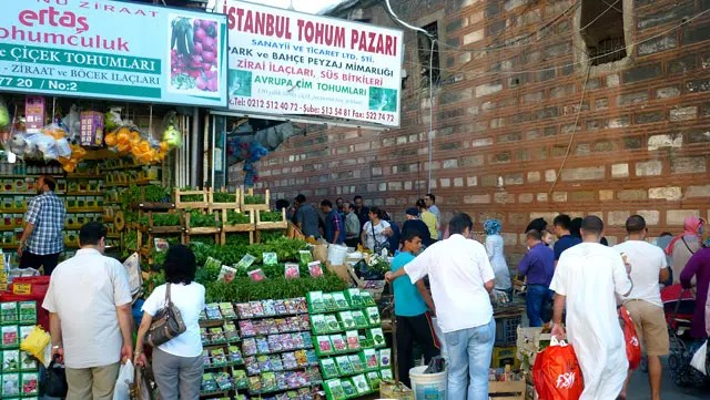 Mercado natural ao lado do Bazar de Especiarias - Istambul (Foto: Esse Mundo É Nosso)