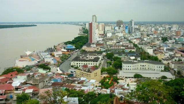 Vista do Cerro Santa Ana - Guayaquil, Equador (Foto: Esse Mundo É Nosso)