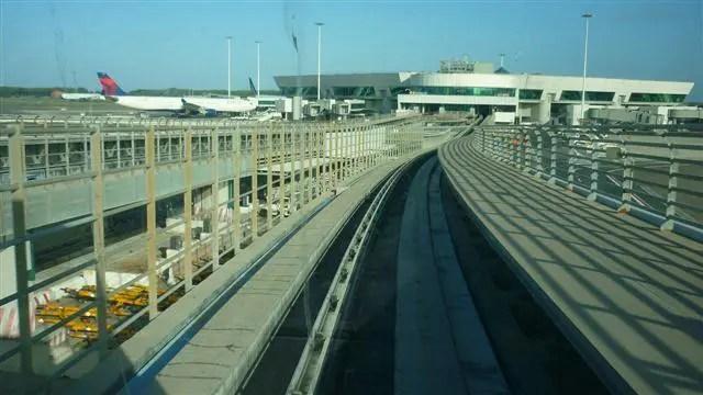 Aerotrem no Aeroporto de Roma - O que dá pra fazer em uma conexão em Roma (Foto: Esse Mundo É Nosso)