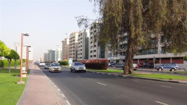 Hospedagem econômica em Dubai - Rua do Hotel (Foto: Esse Mundo É Nosso)