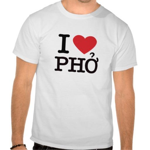 Exemplo de camiseta vendida no Vietnã com I♥Phở