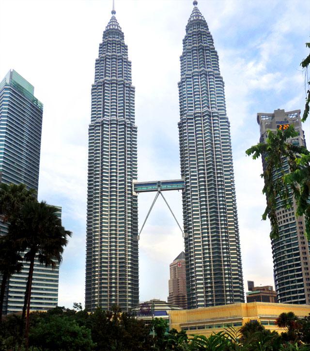 O que fazer em Kuala Lumpur: Torres Petronas (Foto: Esse Mundo É Nosso)