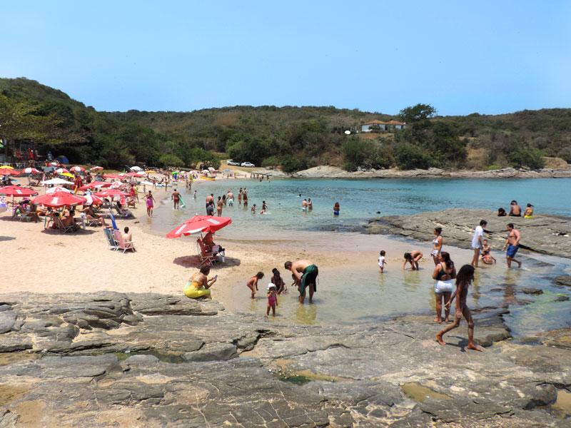 Quando ir pra Búzios: Praia do Forno num fim de semana