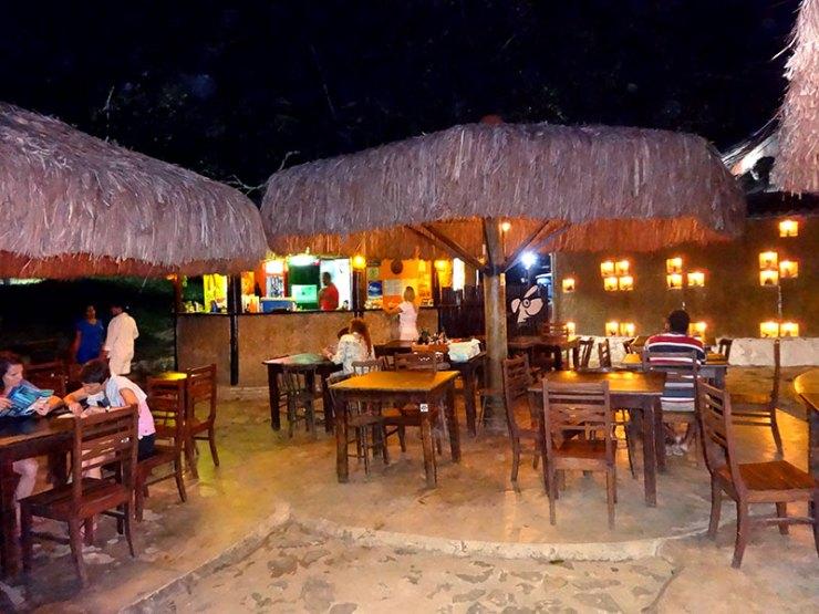 Onde Comer em Fernando de Noronha: Bar do Cachorro