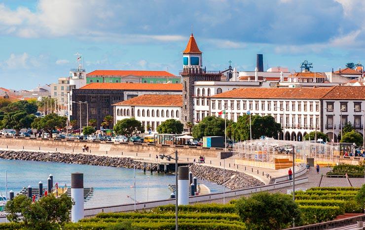 Cidades de Portugal - Ponta Delgada (Foto via Shutterstock)