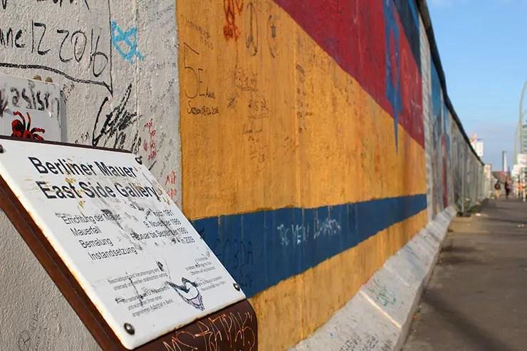 De bicicleta em Berlim: East Side Gallery (Foto: Esse Mundo É Nosso)