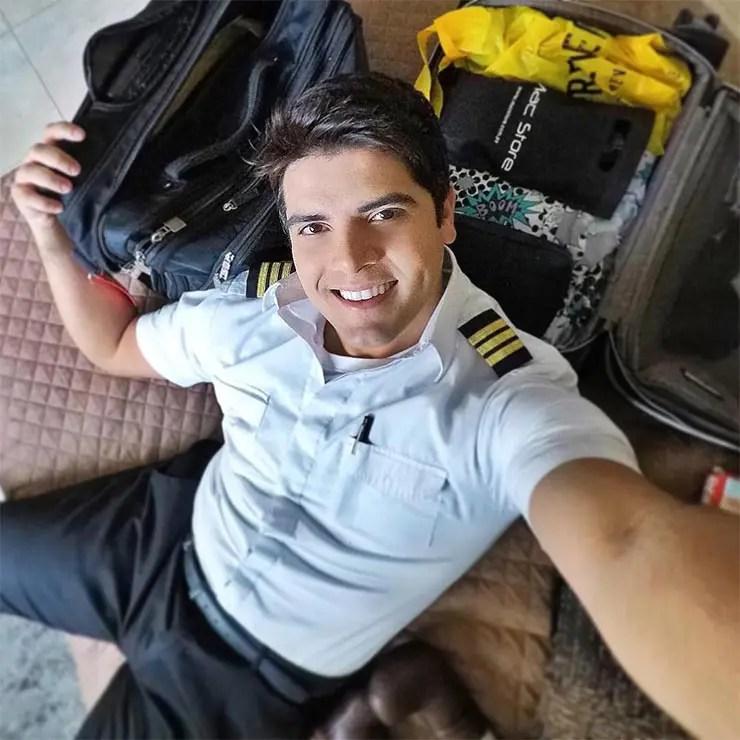 Piloto brasileiro faz sucesso na internet (Foto via @vidadepiloto)