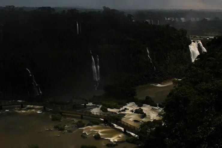 Cataratas do Iguaçu à noite: Visitação Noturna (Foto: Esse Mundo É Nosso)