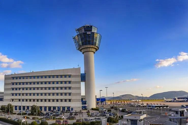 Como ir do aeroporto de Atenas ao centro (Foto via Shutterstock)