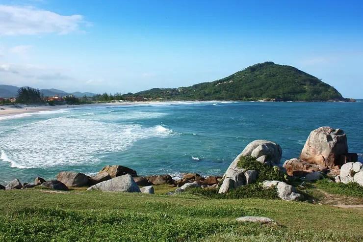 Rota da Baleia Franca: Praia da Ferrugem (Foto via Shutterstock)