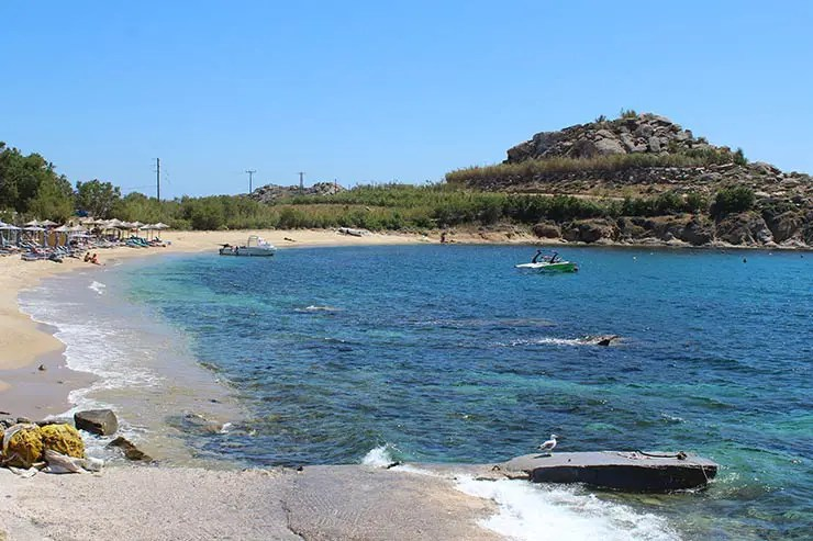 As melhores praias de Mykonos - Agia Anna 1 (Foto: Esse Mundo É Nosso)