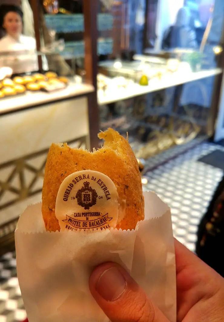 O que fazer no Porto, Portugal - Pastel Bacalhau A Casa Portuguesa (Foto: Esse Mundo É Nosso)