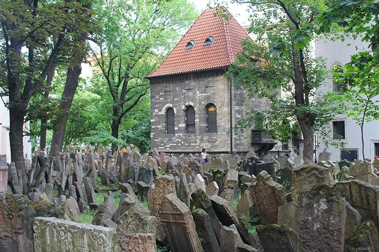 Cemitério judeu (Foto: Esse Mundo é Nosso)